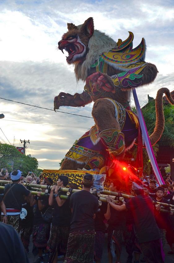 Летающие монстры, или Как празднуют Новый год на Бали Летающие монстры, или Как празднуют Новый год на Бали DSC 0044