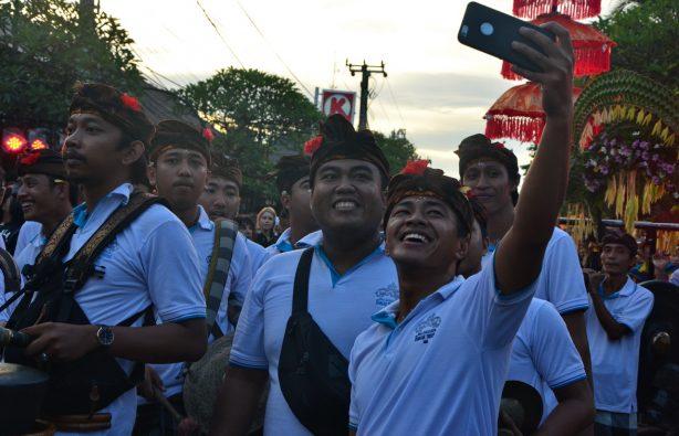 Летающие монстры, или Как празднуют Новый год на Бали Летающие монстры, или Как празднуют Новый год на Бали DSC 0050 614x395