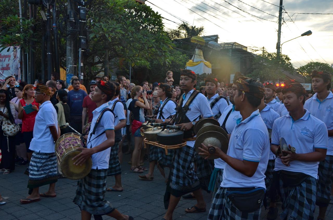 Летающие монстры, или Как празднуют Новый год на Бали Летающие монстры, или Как празднуют Новый год на Бали DSC 0056