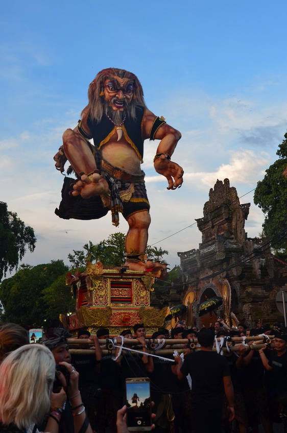 Летающие монстры, или Как празднуют Новый год на Бали Летающие монстры, или Как празднуют Новый год на Бали DSC 0073