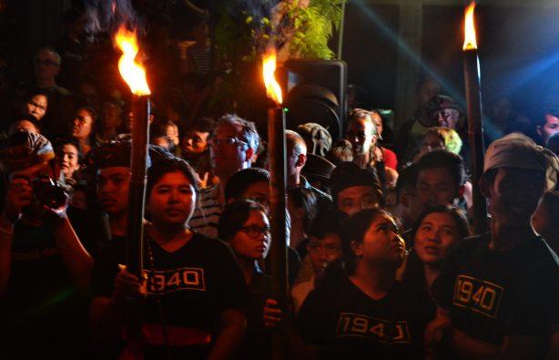 Летающие монстры, или Как празднуют Новый год на Бали Летающие монстры, или Как празднуют Новый год на Бали DSC 0172 614x395