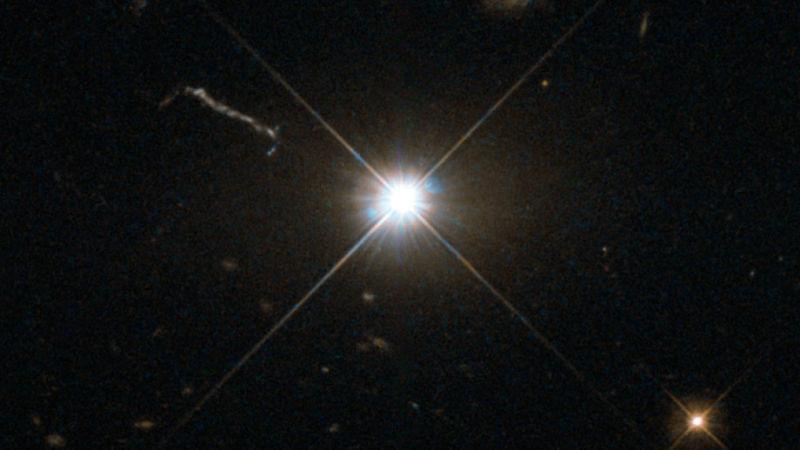 Открыта чёрная дыра, поглощающая звезду каждые два дня