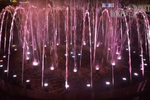 В Киеве заработали поющие фонтаны (видео)