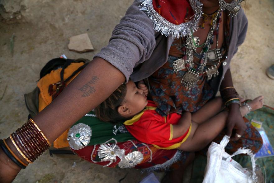 День матери: мамы всего мира глазами известного фотографа День матери: мамы всего мира глазами известного фотографа mother 12 5af2c94bc26cc  880