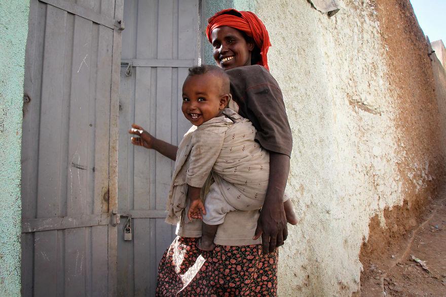 День матери: мамы всего мира глазами известного фотографа День матери: мамы всего мира глазами известного фотографа mother 14 5af2c9556ebd7  880