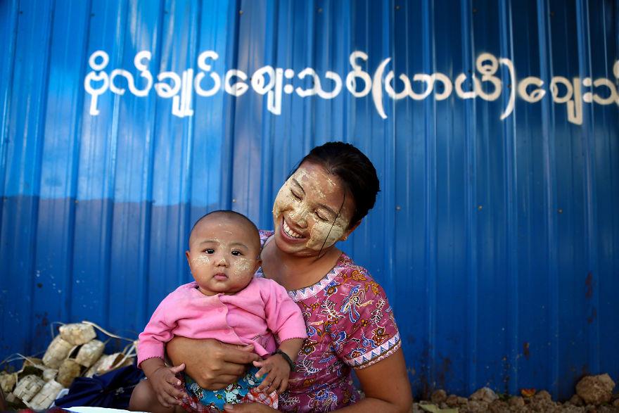 День матери: мамы всего мира глазами известного фотографа День матери: мамы всего мира глазами известного фотографа mother 16 5af2c95e00c77  880
