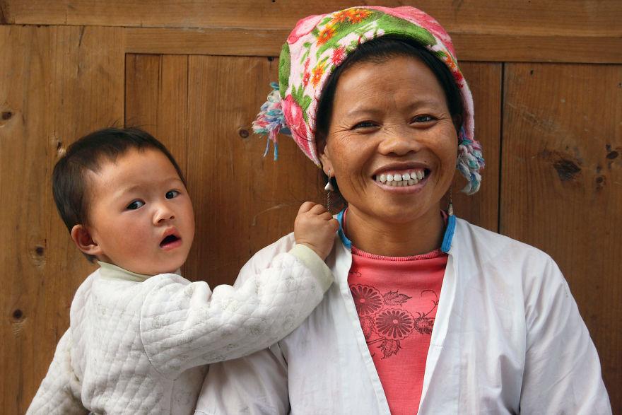 День матери: мамы всего мира глазами известного фотографа День матери: мамы всего мира глазами известного фотографа mother 27 5af2c99410538  880