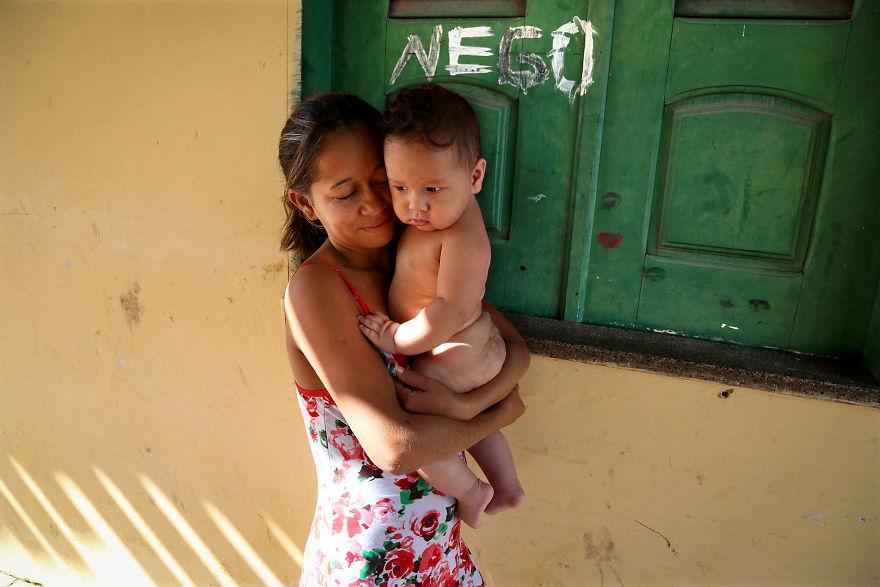 День матери: мамы всего мира глазами известного фотографа День матери: мамы всего мира глазами известного фотографа mother 3 5af2c921bed9b  880