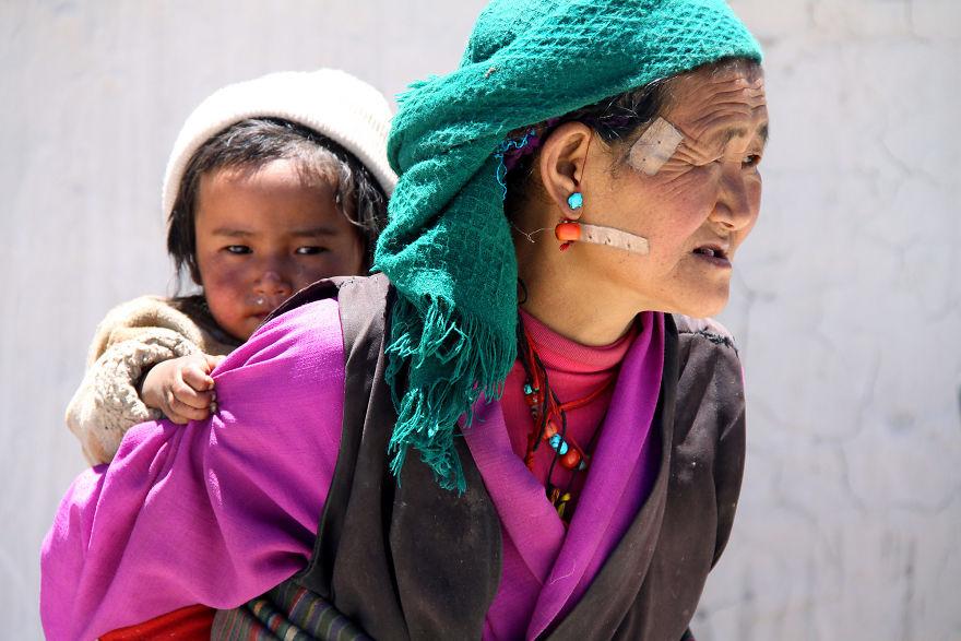 День матери: мамы всего мира глазами известного фотографа День матери: мамы всего мира глазами известного фотографа mother 31 5af2c9a41464f  880