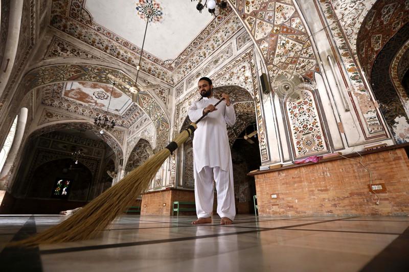 Как мусульмане всего мира отмечают начало Рамадана (фото) Как мусульмане всего мира отмечают начало Рамадана (фото) p 54337171