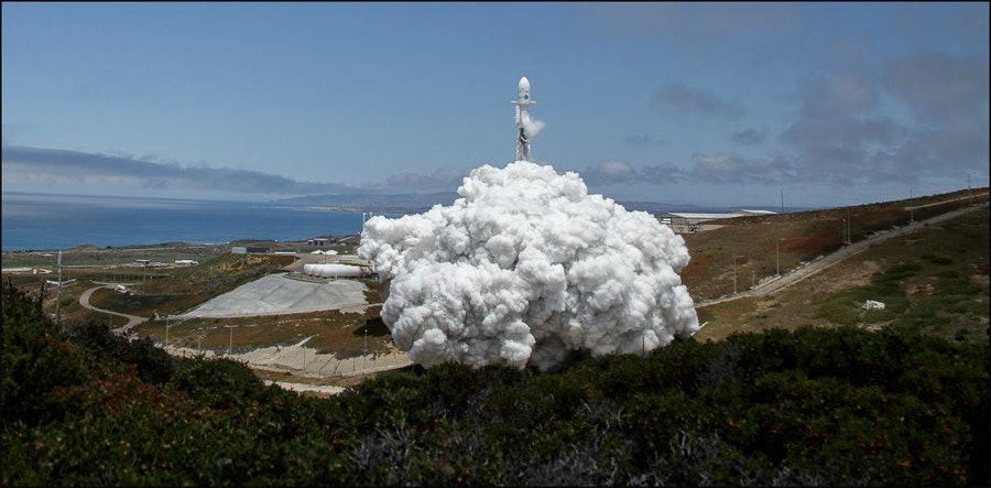 Камера, снимавшая запуск ракеты falcon 9, превратилась в хлам Камера, снимавшая запуск ракеты Falcon 9, превратилась в хлам remote camera falcon 9 photo 02