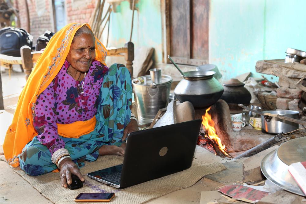 Впервые в истории в каждую индийскую деревню провели электричество