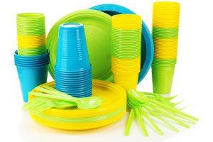 В Европе планируют запретить одноразовую посуду