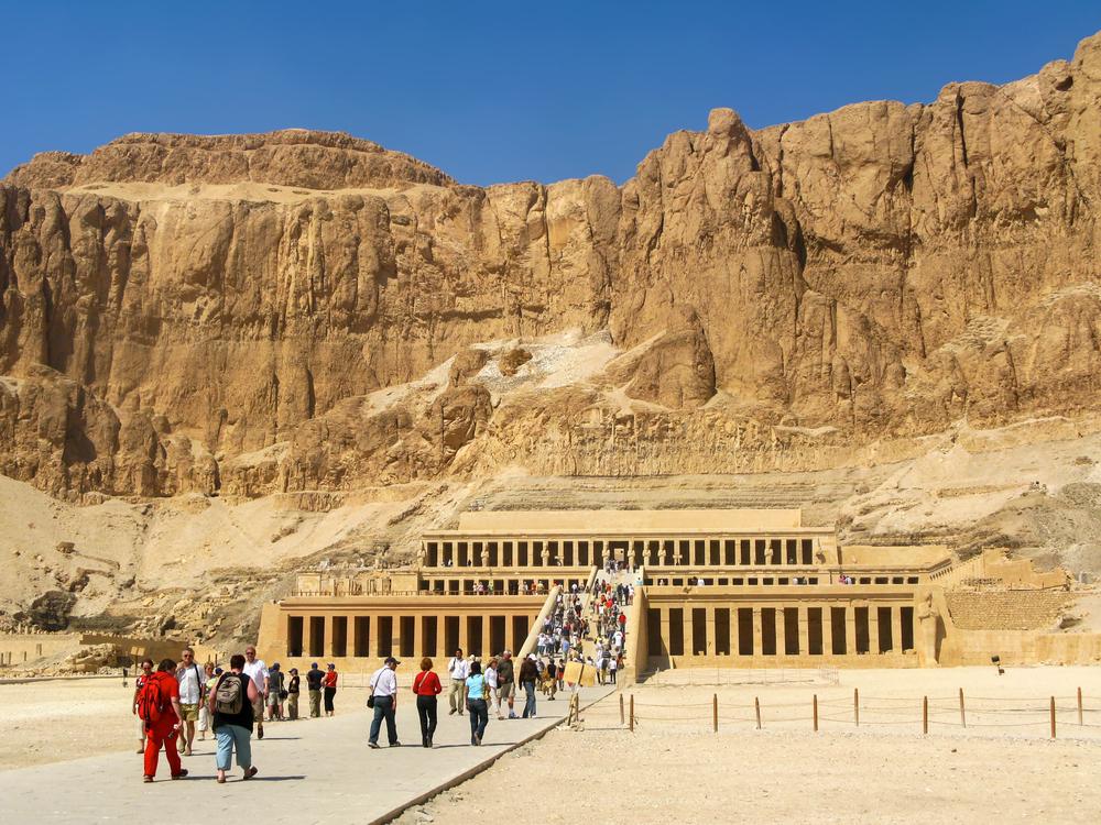 В Египте начнут наказывать за приставание к туристам В Египте начнут наказывать за приставание к туристам shutterstock 226716967
