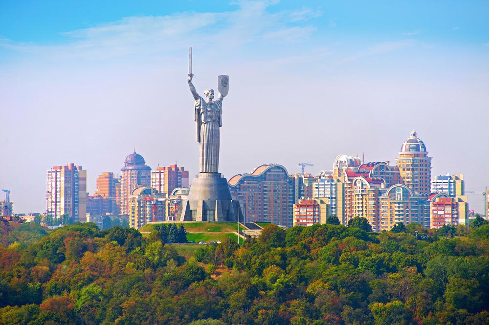 С начала мая в Киеве зафиксировано 12 температурных рекордов