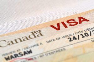 Для украинцев канадская виза подорожает почти вдвое