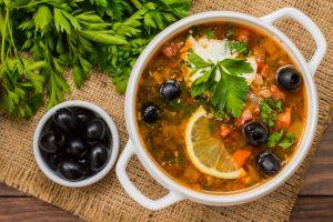 Кухни мира: рецепт мясной солянки