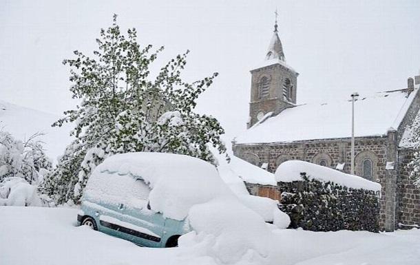 Юг Франции засыпало снегом