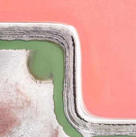 Немецкий фотограф снимает заводы по производству соли