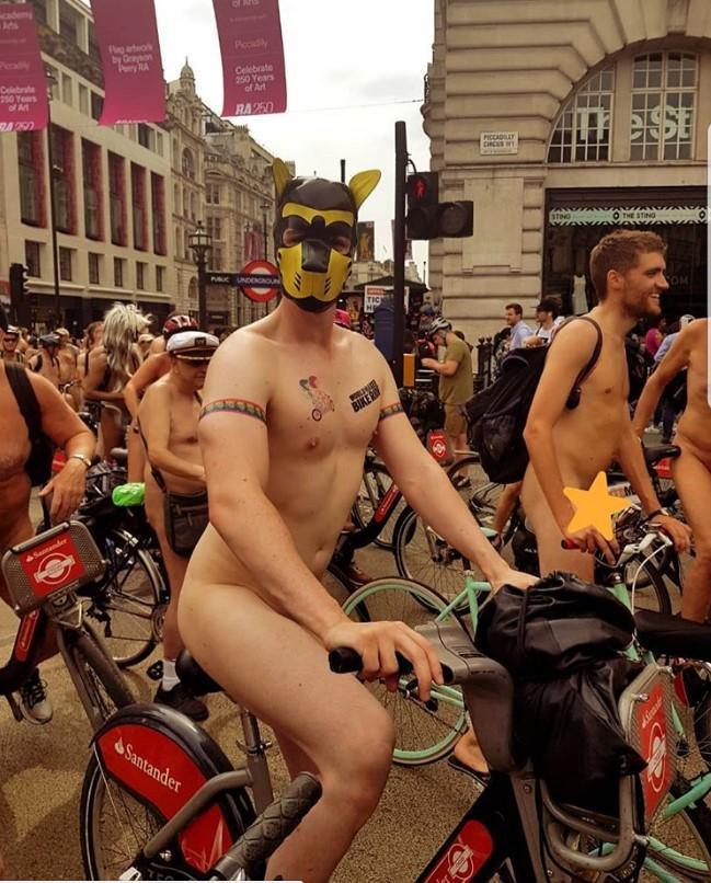 В Великобритании прошел голый велопробег В Великобритании прошел голый велопробег 10 1