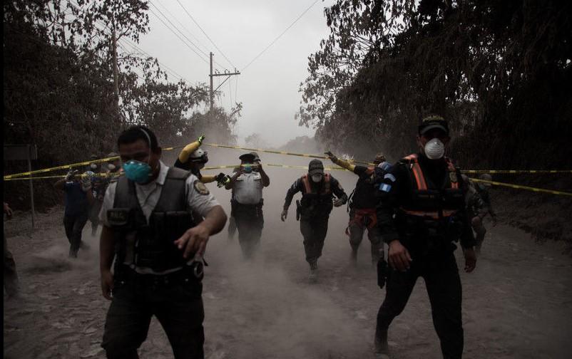 Извержения вулкана в Гватемале: деревня превратилась в крематорий Извержения вулкана в Гватемале: деревня превратилась в крематорий 2 2