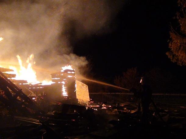 В Карпатах сгорела вековая церковь В Карпатах сгорела вековая церковь 2 8