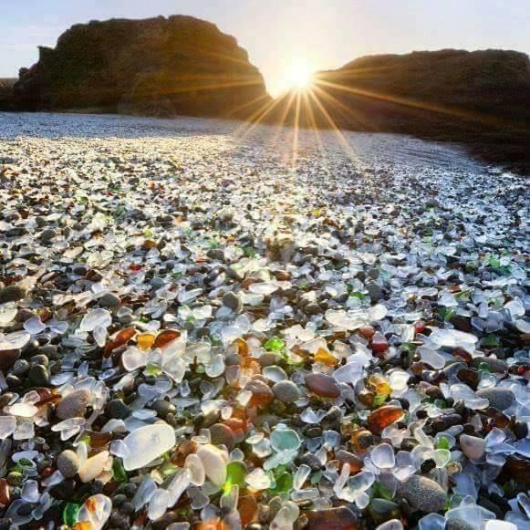 Стеклянный пляж в США — рукотворное «чудо природы» Стеклянный пляж в США — рукотворное «чудо природы» 34708780 227595514507310 7348956293501026304 n