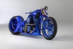 Самый дорогой мотоцикл в мире идет в комплекте с бриллиантовым кольцом и часами