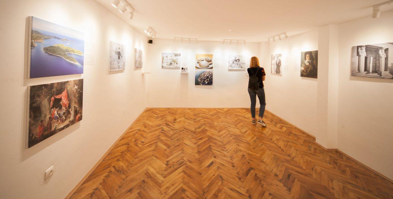 купить Песни Бейонсе, мыльные оперы и зубные щетки: в Хорватии открылся Музей любовных историй Museum of Love 1500x763