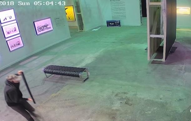 В Торонто сняли на видео, как воруют работу Бэнкси.Вокруг Света. Украина