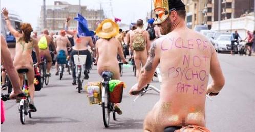 В Великобритании прошел голый велопробег