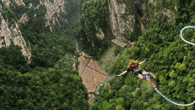 На стеклянном мосту в Китае появится банджи-джампинг (видео) На стеклянном мосту в Китае появится банджи-джампинг (видео) http 2F2Fcdn
