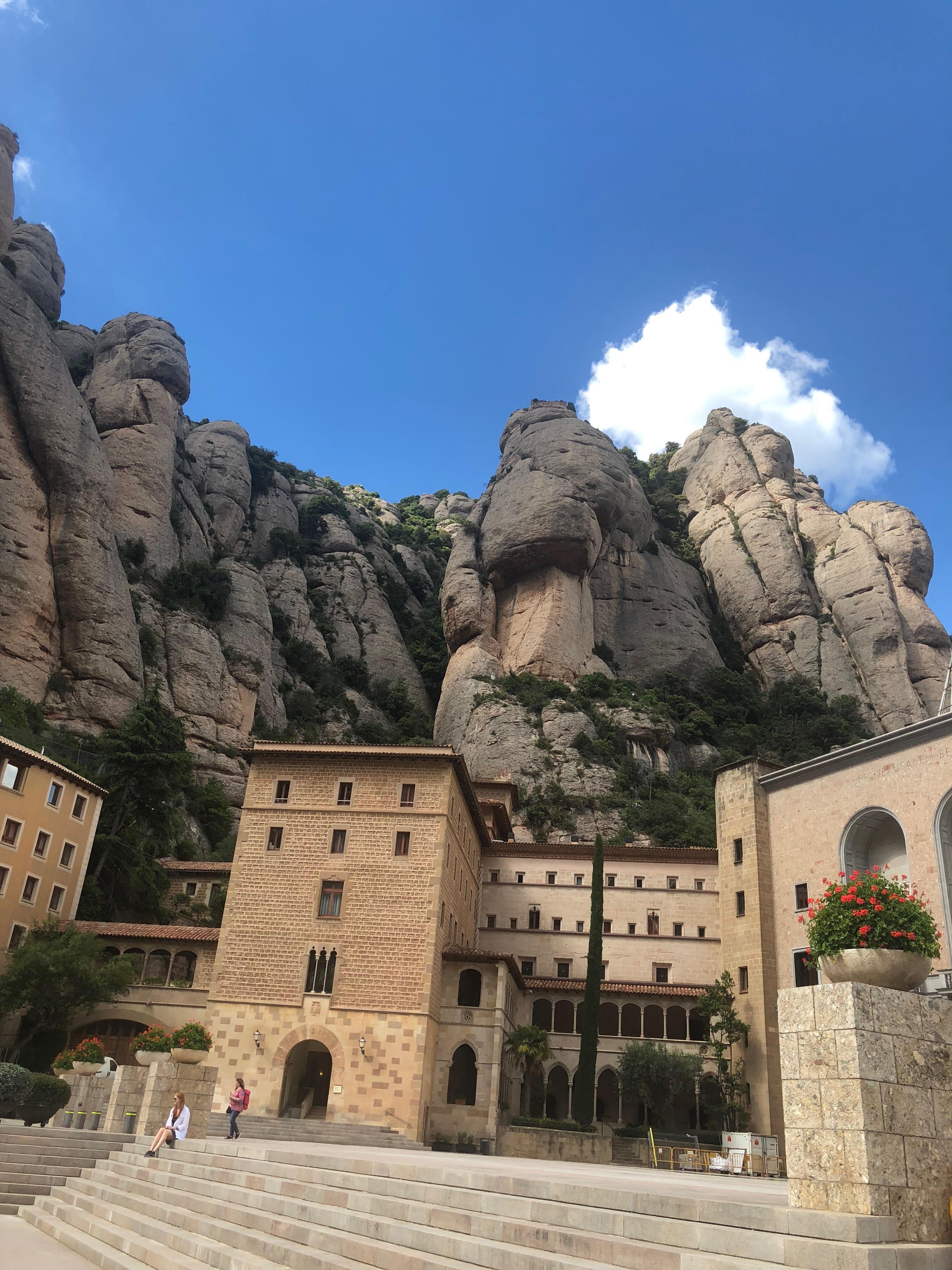 Коста-Барселона: удивительное рядом Коста-Барселона: удивительное рядом monastir