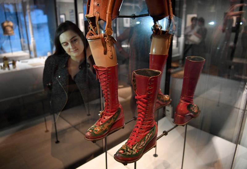 В Лондоне открылась выставка вещей Фриды Кало В Лондоне открылась выставка вещей Фриды Кало p 54403735