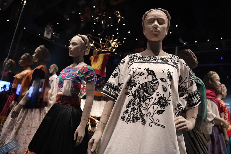 В Лондоне открылась выставка вещей Фриды Кало В Лондоне открылась выставка вещей Фриды Кало p 54403736