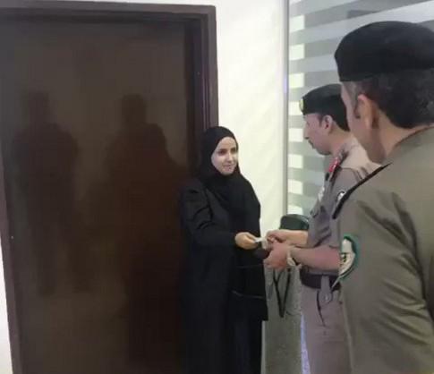 Первая женщина в Саудовской Аравии получила водительские права.Вокруг Света. Украина