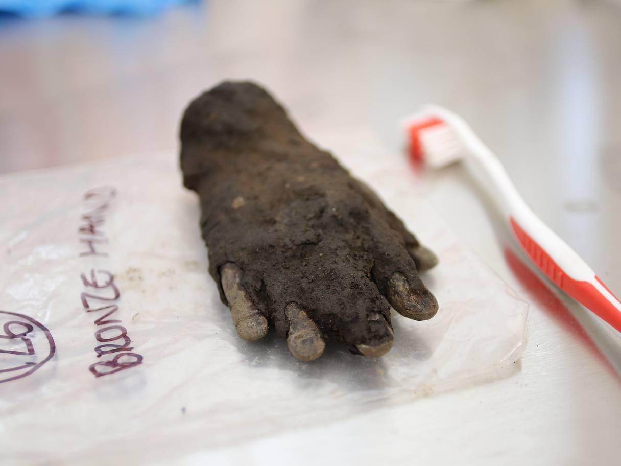 В Великобритании археологи откопали «руку бога» В Великобритании археологи откопали «руку бога» ruka1