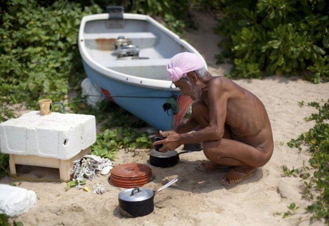 В Японии отшельника с необитаемого острова отправили в дом престарелых В Японии отшельника с необитаемого острова отправили в дом престарелых sei 18763132 1