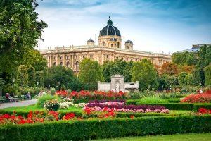 Бюджетное путешествие в Вену: как дешевле добраться, где жить, что смотреть