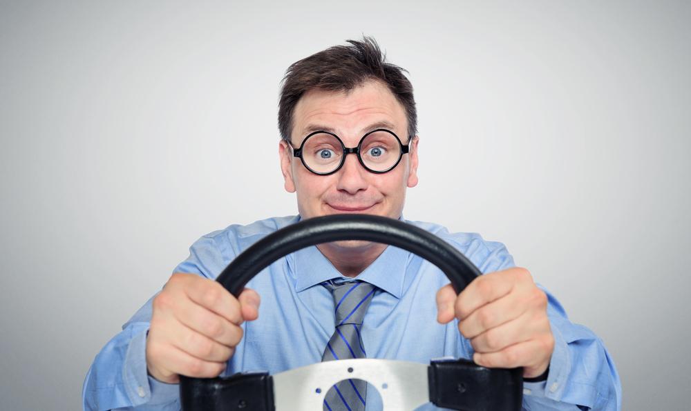 Американец два километра ехал по шоссе задом на неисправной машине