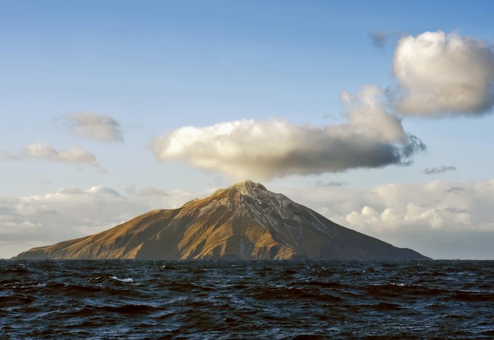 Вулкан на Аляске просыпается: перелеты над Тихим океаном могут отменить