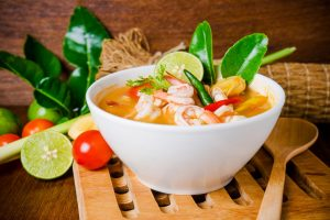 Кухни мира: тайский суп том ям кунг