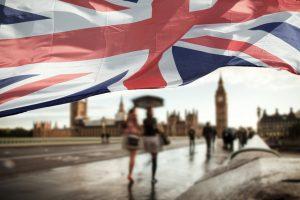 За год каждому восьмому украинцу отказали в британской визе