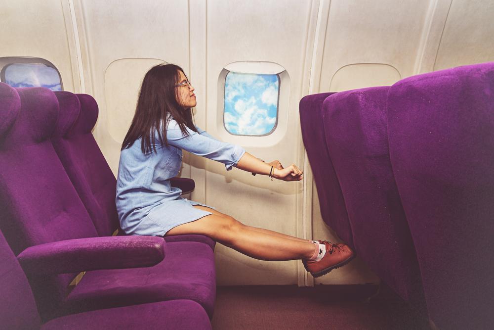 Пассажир бизнес-класса 17 часов не вставал со своего места Пассажир бизнес-класса 17 часов не вставал со своего места shutterstock 750986560