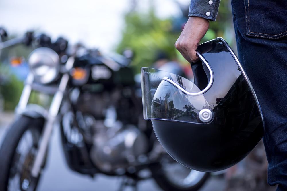 В Нидерландах запретили носить паранджу, шлемы и лыжные маски
