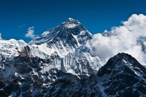 Выжившая на Эвересте альпинистка погибла нелепой смертью