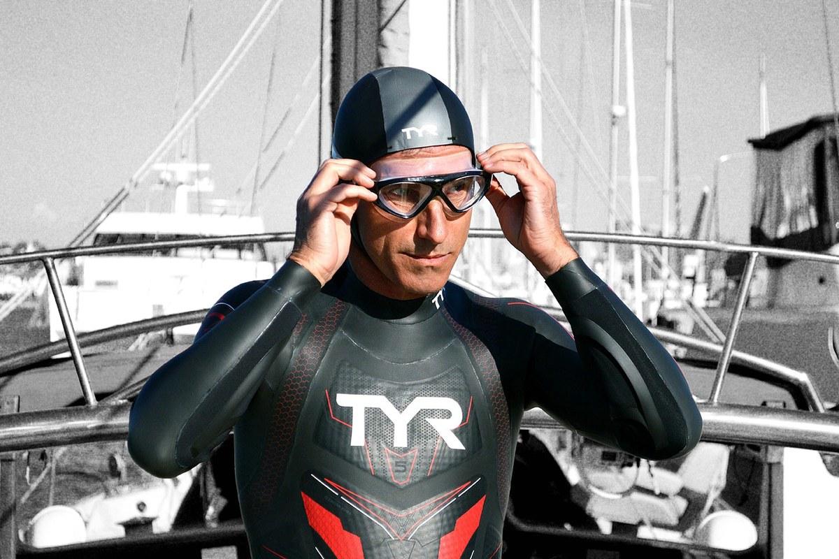 51-летний француз начал первый в истории заплыв через Тихий Океан.Вокруг Света. Украина