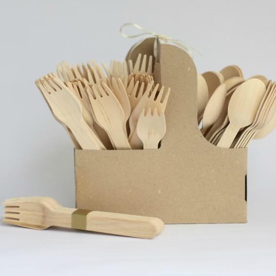 Пейте так: почему все отказываются от трубочек для напитков? Пейте так: почему все отказываются от трубочек для напитков? wooden cutlery fork1 600x