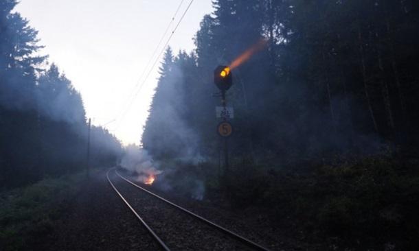 В Норвегии из-за сильных пожаров не ходят поезда В Норвегии из-за сильных пожаров не ходят поезда 2168235