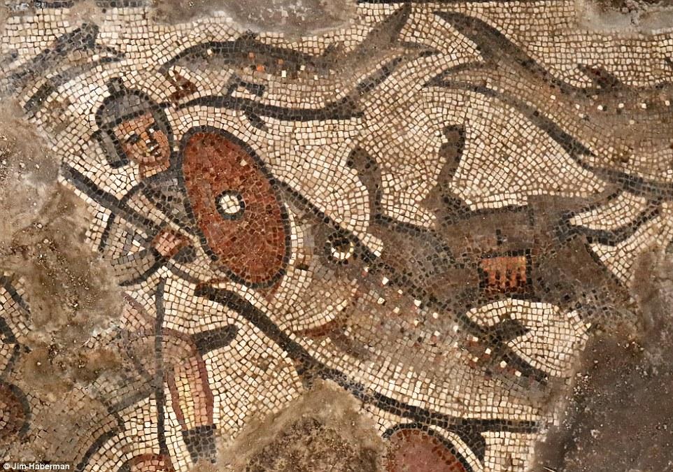 Археологи обнаружили уникальные древнееврейские мозаики